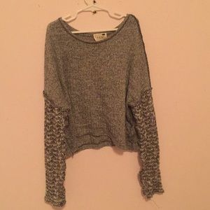 Grey Long sleeved crop